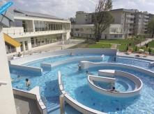 Spa-Kültéri-medence
