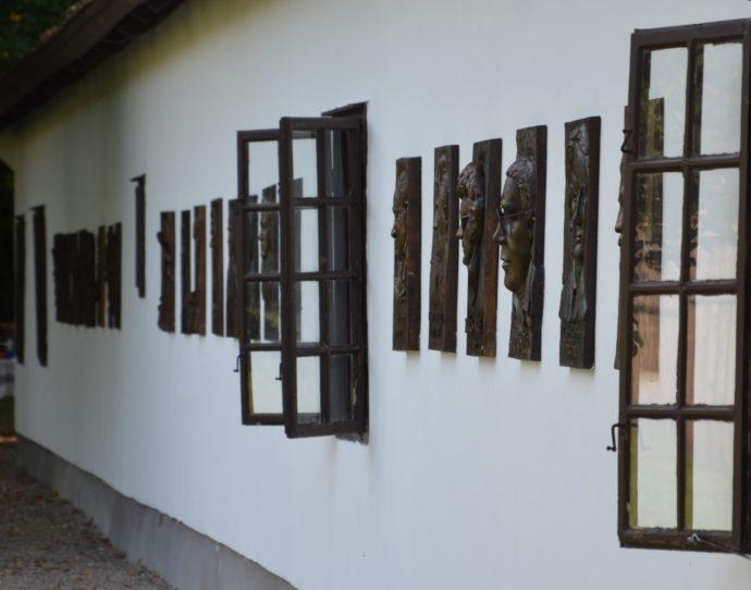 Emlékfal - Fotó: Gárdony Kultúra