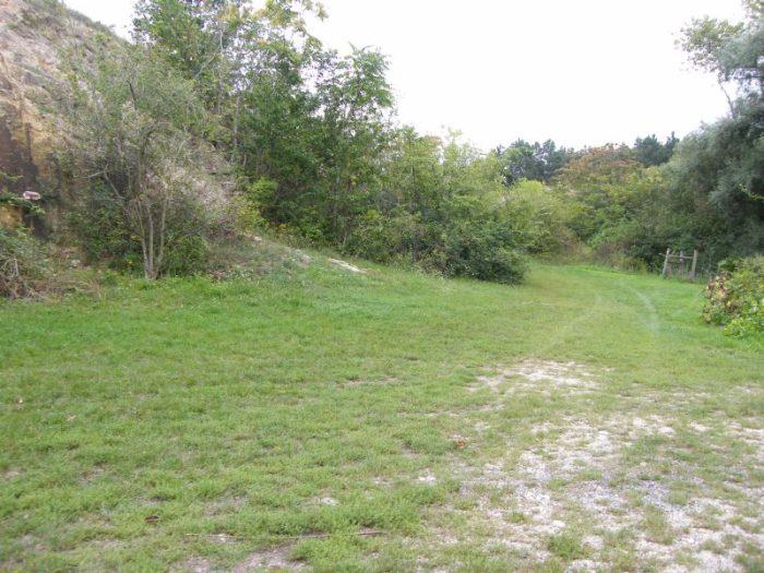 Az adriai szint mellett jobbra kell elindulni a kis ösvényen