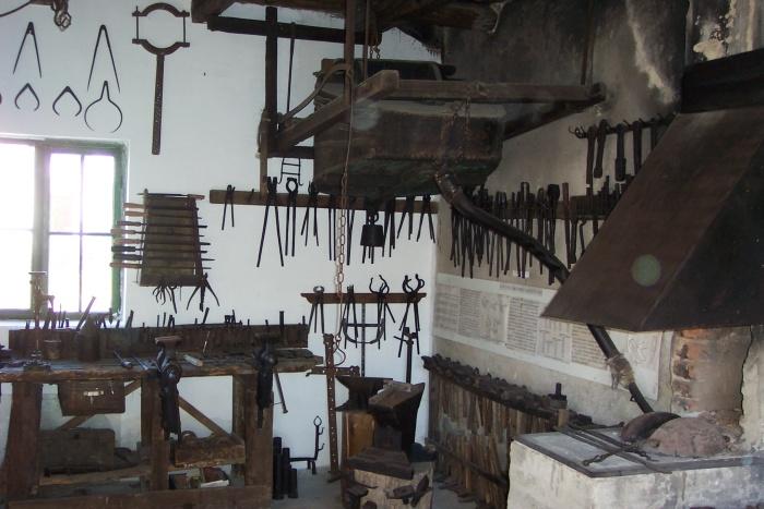 Helytörténeti és kovács kiállítás - Kápolnásnyék