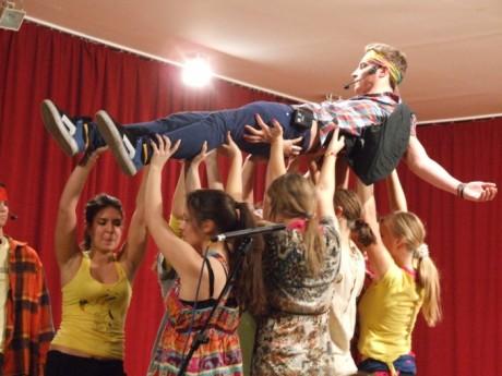 Az diákok musical előadására megtelt a Művelődési ház díszterme
