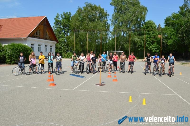A Kerékpáros Iskola Kupa résztvevői