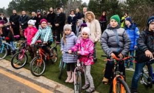 Új kerékpárutakat adtak át a Velencei-tónál - Fotó, videó