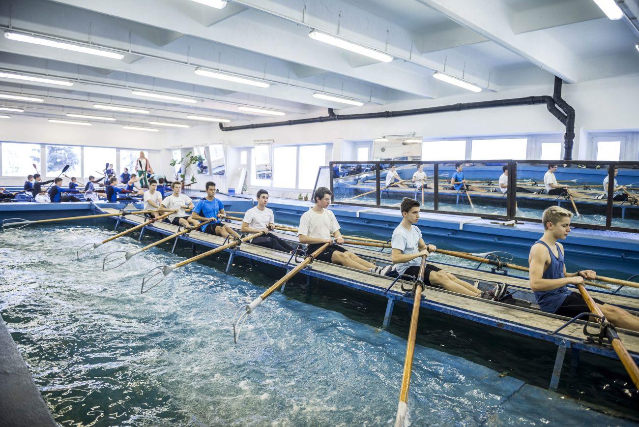 Evezősök edzése a Velencei-tavi Vízi Sportiskolában - MTI Fotó: Bodnár Boglárka