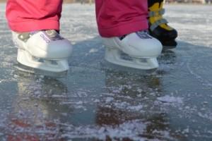 Megnyíltak a jégpályák a Velencei-tavon! Megmutatjuk, hogy hol lehet korizni! – Fotók, Videó!