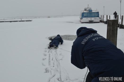 Jégből mentés