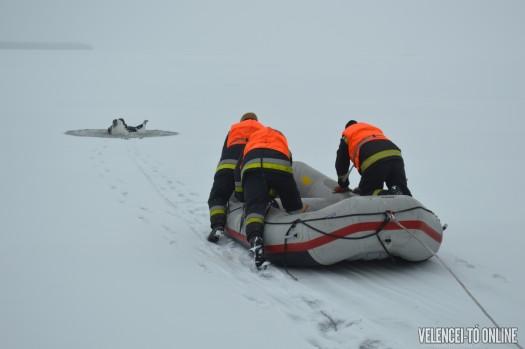 A rendőrség után a tűzoltók is mentettek