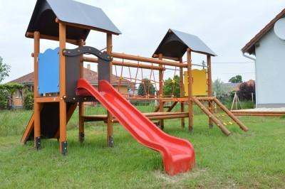 Átadták az egyetlen pettendi játszóteret! – fotók