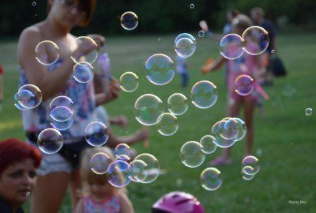 Nyárbúcsúztató buborékfújás Agárdon @ Parkerdő