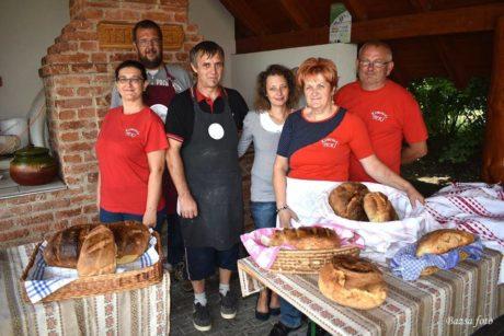 Kemencés Kenyérünnep Dinnyésen @ Dinnyési Hagyományőrző Központ